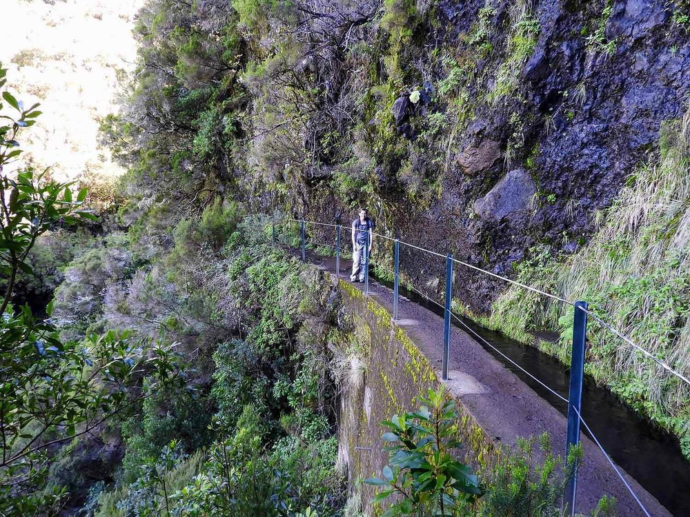 portugal-madeira-levada-25-fontes-waterfalls-cliffside-trail.jpg