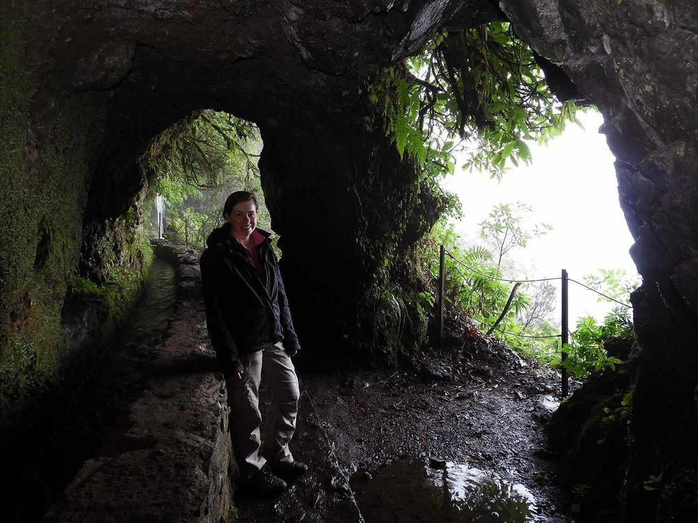 portugal-madeira-levada-calderao-verde-tunnel.JPG
