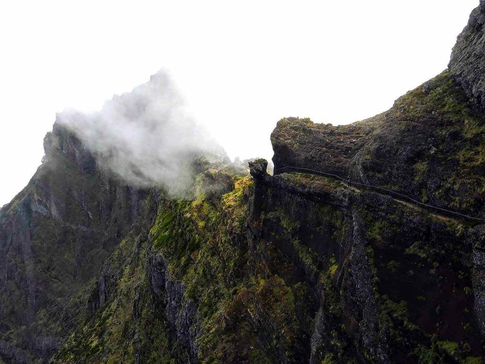 portugal-madeira-island-hike-pico-arieiro-ruivo-highest-peak-clouds-mountains-trail.jpg