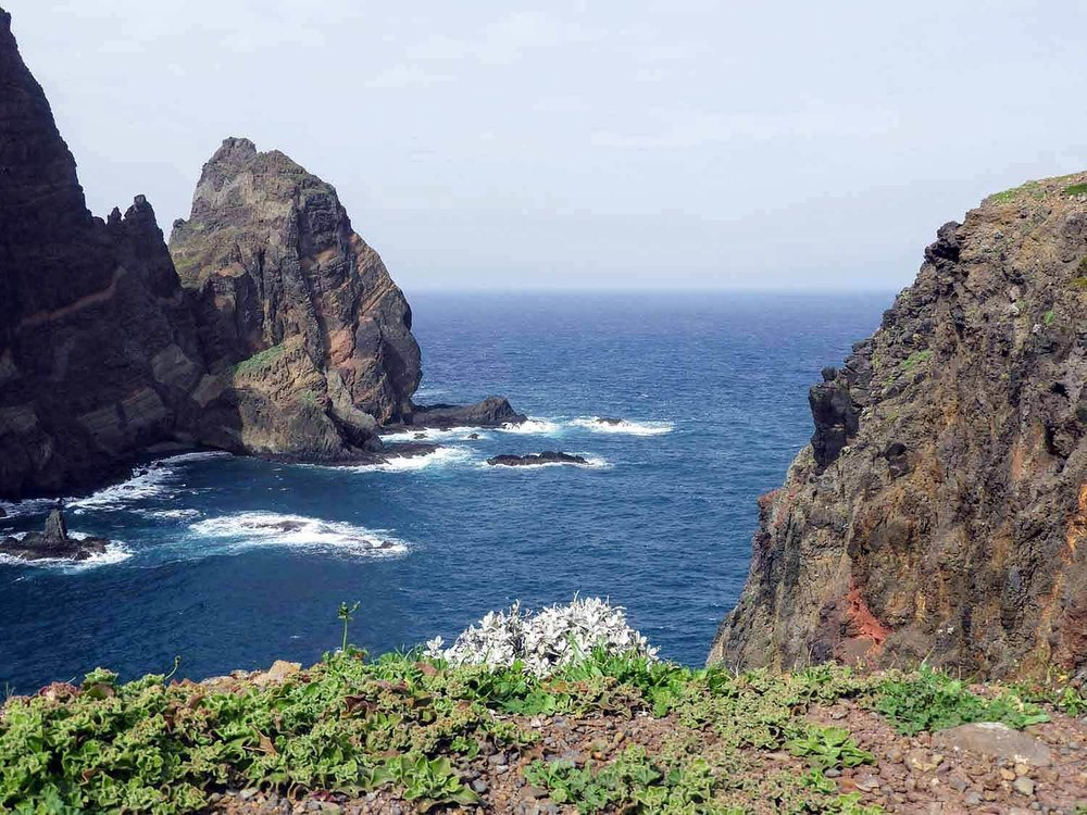 portugal-madeira-island-hike-ponta-s+úo-louren+ºo-sao-lourenco-point-sea-cliffs.jpg