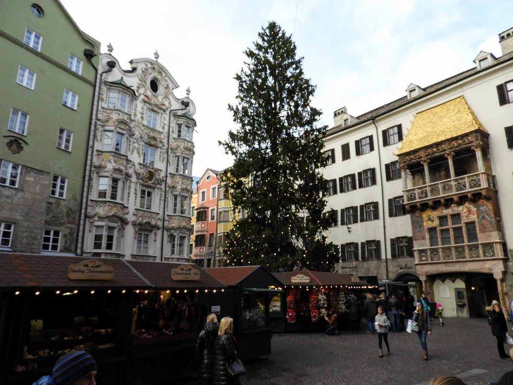 austria-innsbruck-christmastime-market.JPG