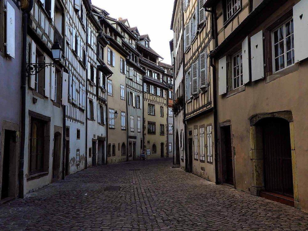 france-colmar-cobble-stone-street-midevil.jpg