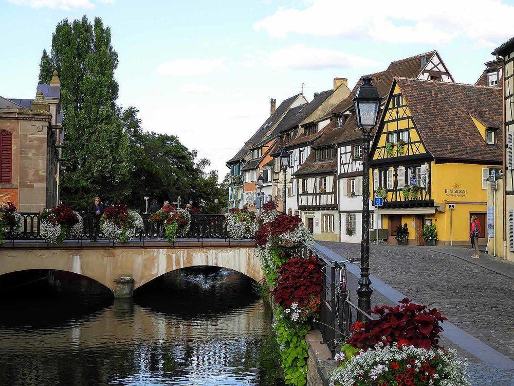 france-colmar-midevil-city.jpg