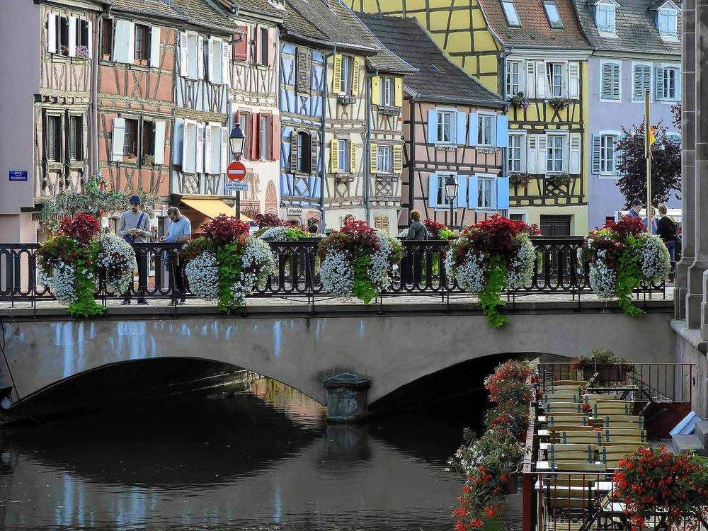 france-colmar-bridge-flower-box.jpg