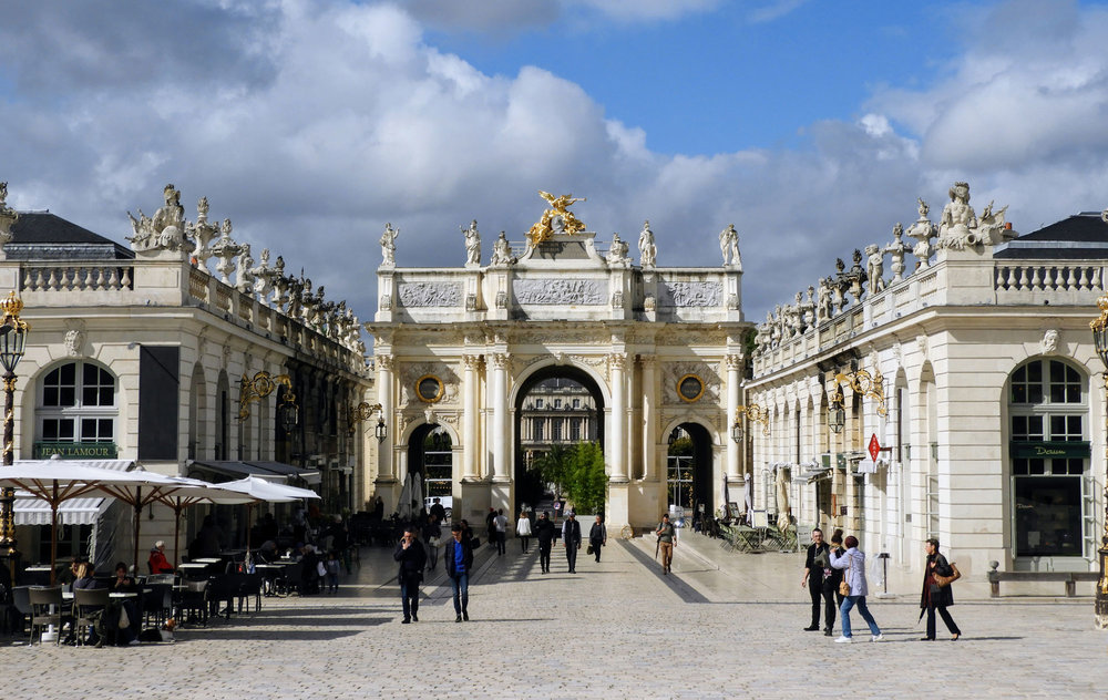france-nancy-stanislas-square-golden-buildings-banner.jpg