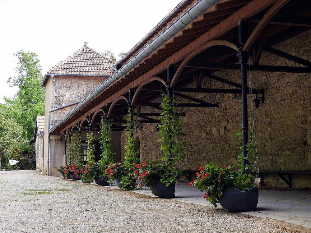 france-sion-basilica-covered-patio.jpg