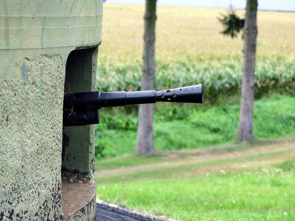 france-maginot-line-casemate-esch-wwi-machine-gun-turret.jpg