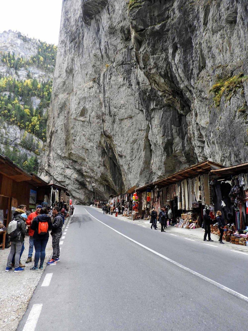 romania-bicaz-gorge-canyon-road-tourist-shops.jpg