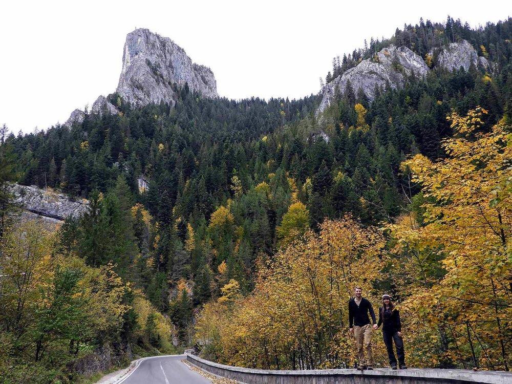 romania-bicaz-gorge-canyon-team-fall-colors.jpg