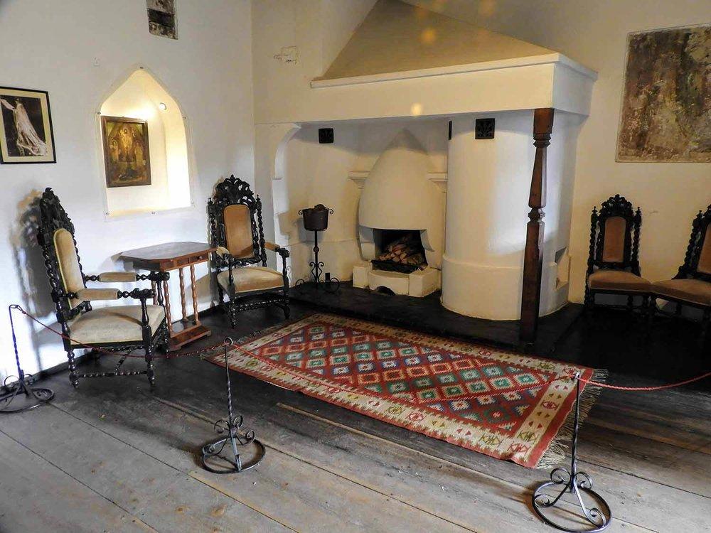 romania-bran-castle-interior.jpg