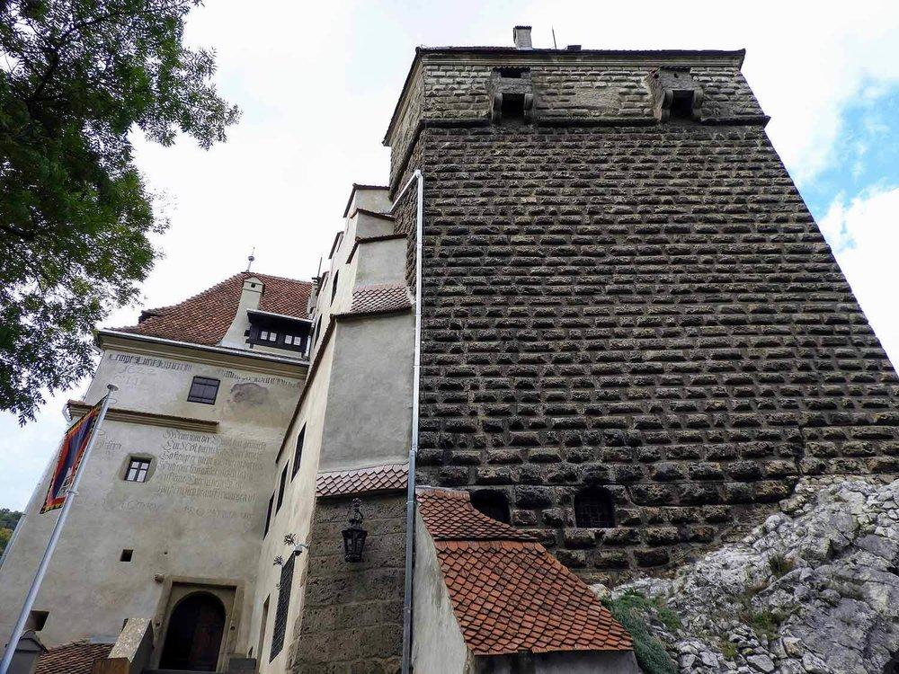 romania-bran-castle-tower.jpg