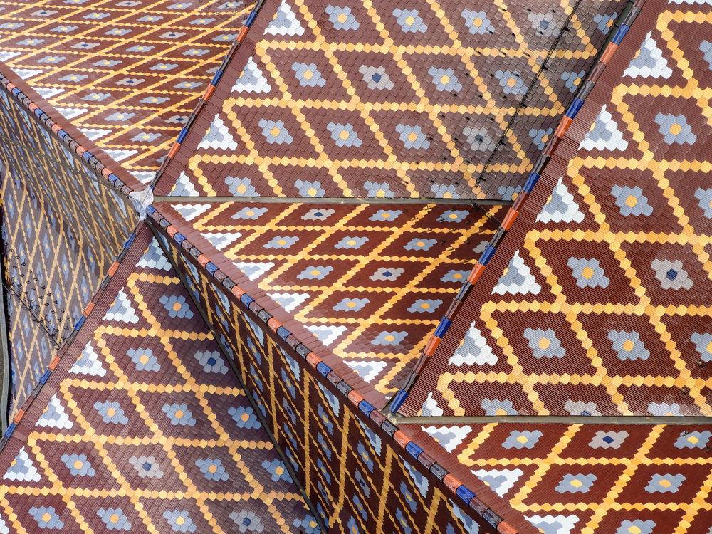 romania-sibiu-lutheran-cathedral-roof-tiles.jpg