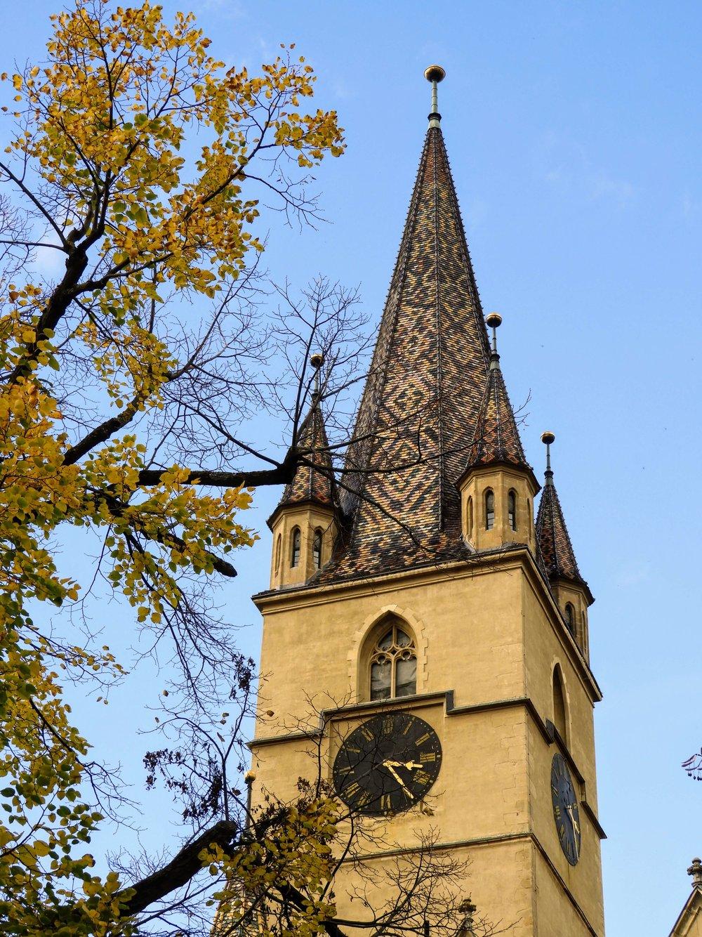 romania-sibiu-lutheran-cathedral-tower.JPG