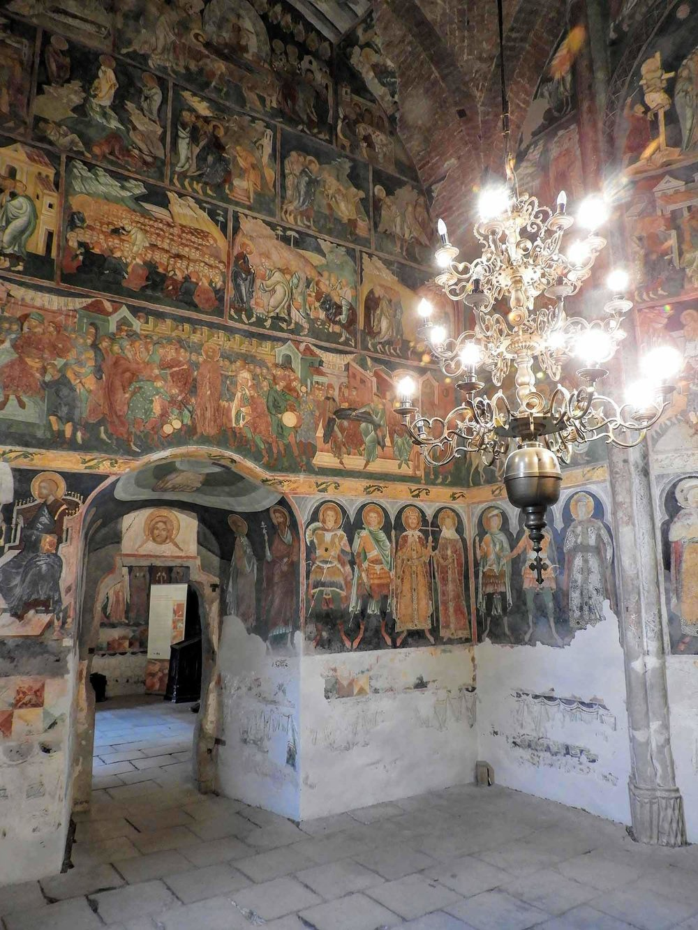 romania-bucovina-arbore-painted-monasteries (8).jpg