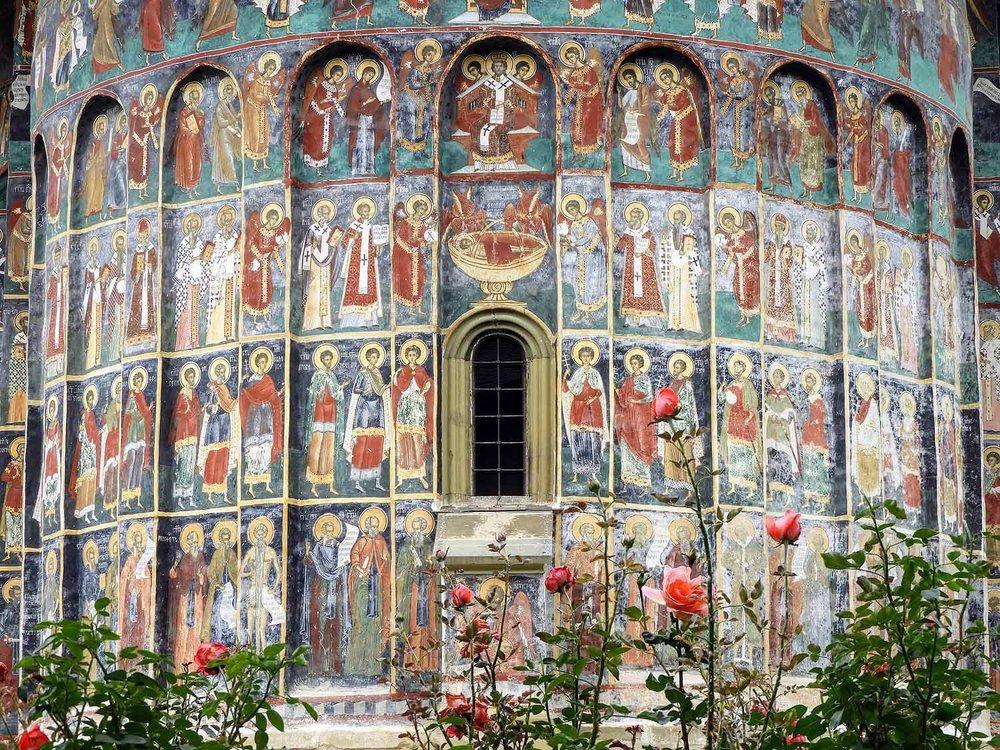romania-bucovina-suveita-painted-monasteries (9).jpg