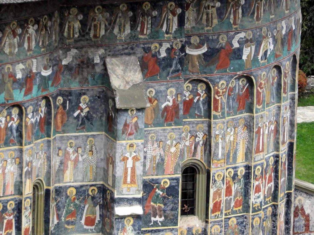 romania-bucovina-suveita-painted-monasteries (13).jpg