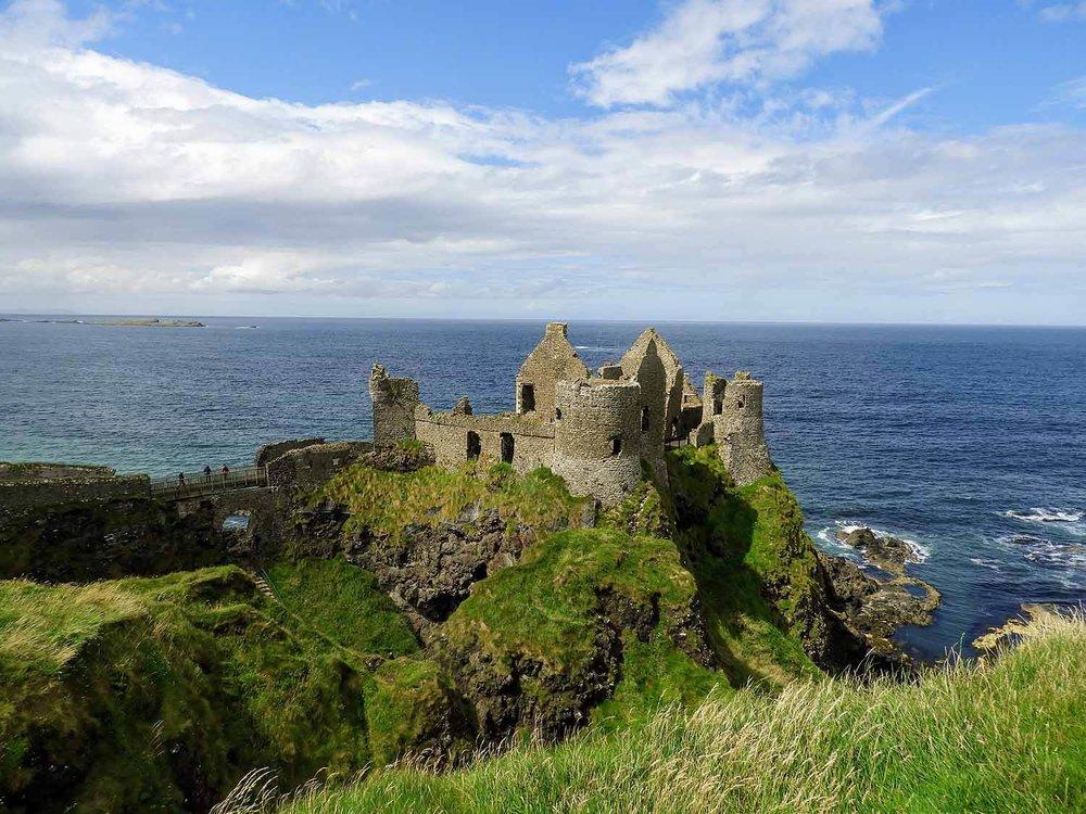 northern-ireland-coast-dunluce-castle-ruins.jpg