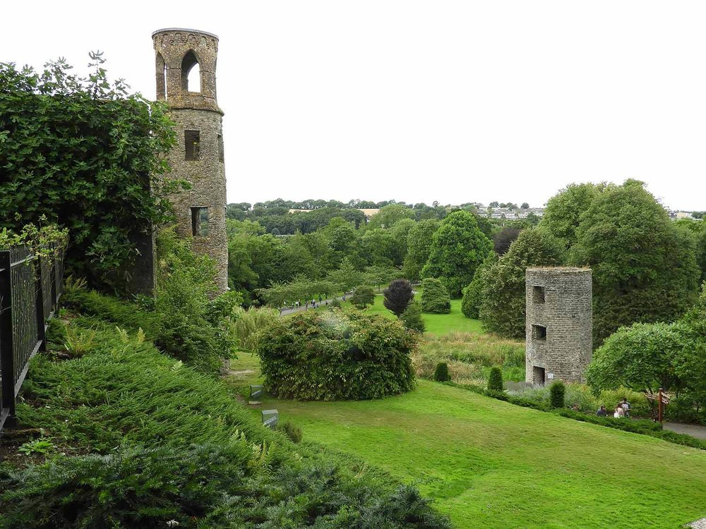 ireland-blarney-castle-stone-towers.JPG