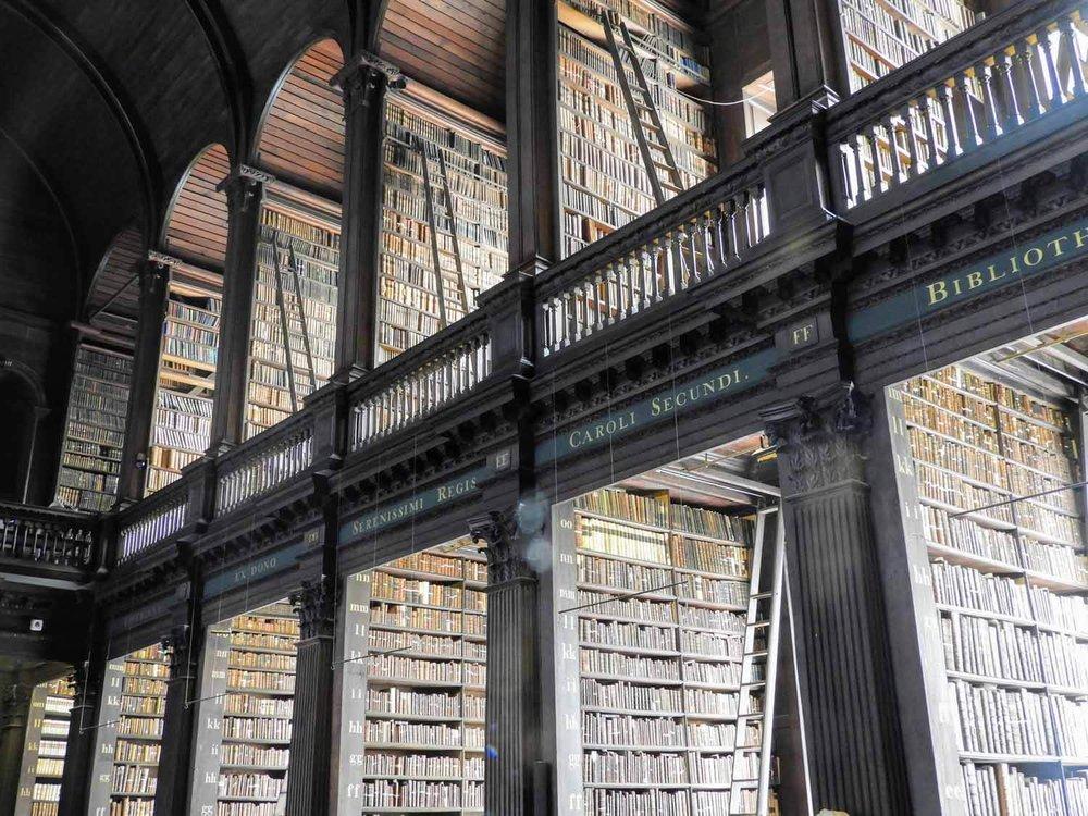ireland-dublin-trinity-collage-library-historic-two-story.jpg