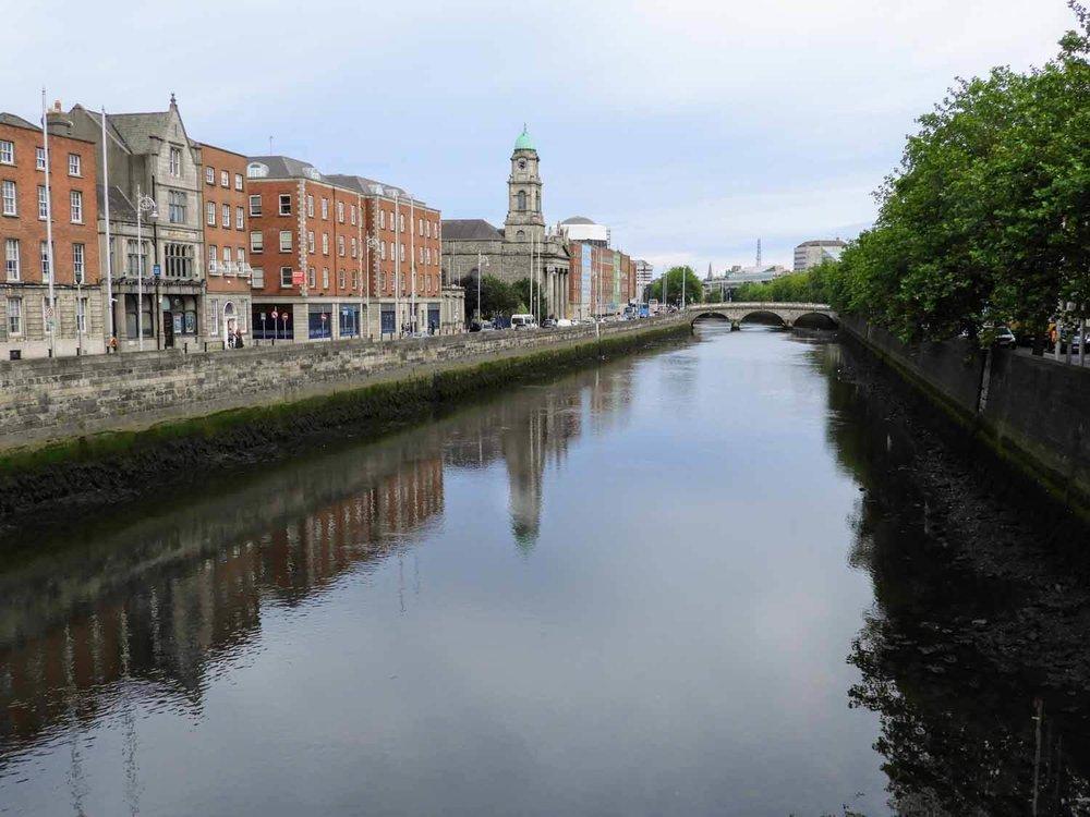 ireland-dublin-river-refelction-brick-red.jpg