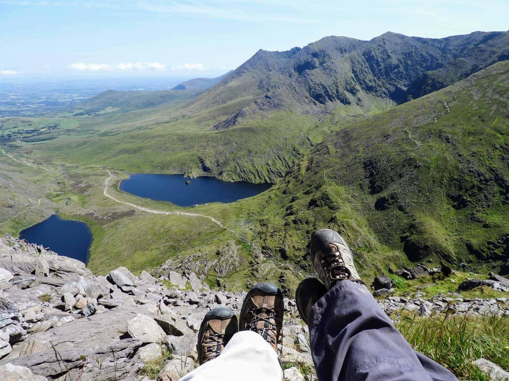 ireland-carrauntoohil-highest-mountain-peak-top-summit-feet.jpg
