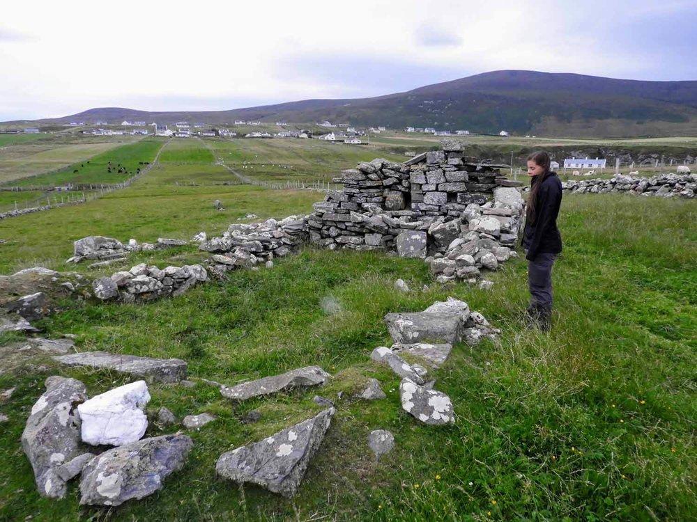 ireland-donegal-celtic-churh-ruins.jpg