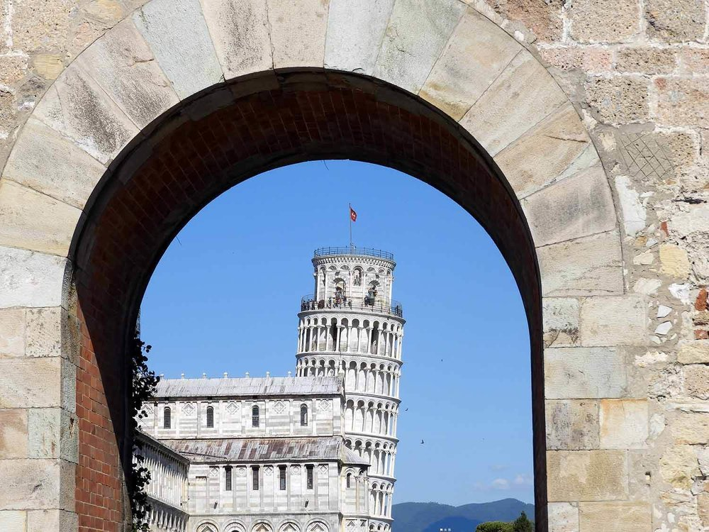 italy-italia-pisa -arch-tower-cathederal.JPG