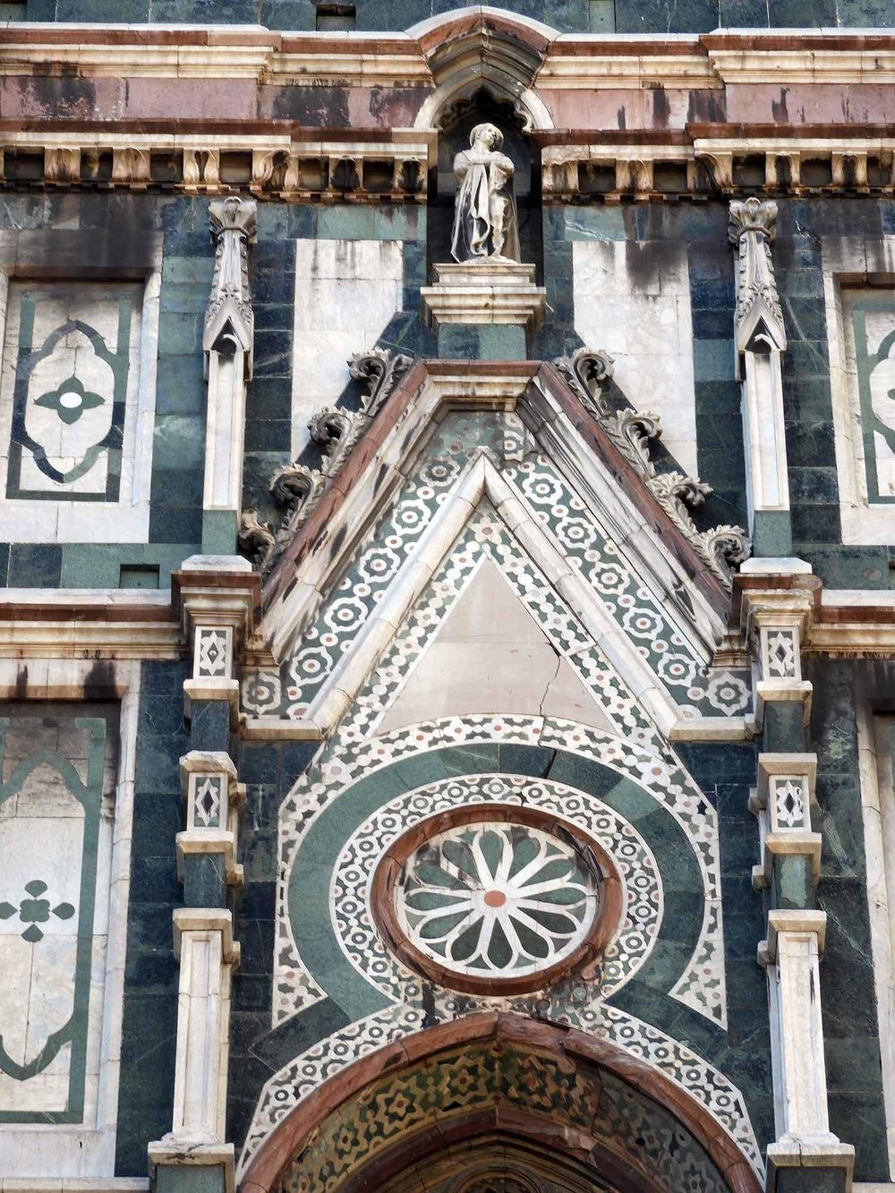 italy-italia-florence-cathedral-santa-maria-del-fiori-marble-exterior.JPG