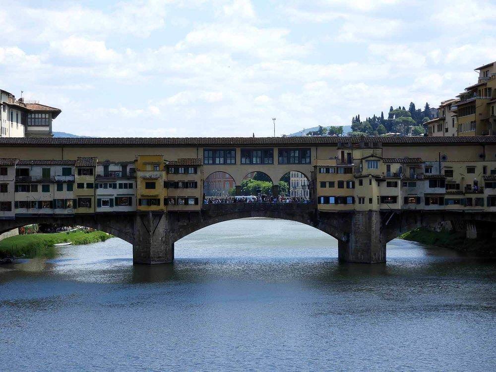 italy-italia-florence-ponte-vecchio-rno-river.JPG