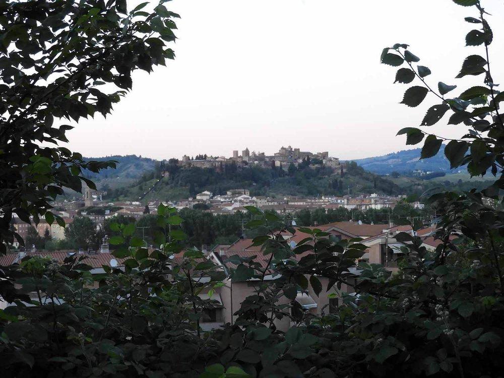 italy-italia-certaldo-old-tuscany-city-hill.JPG