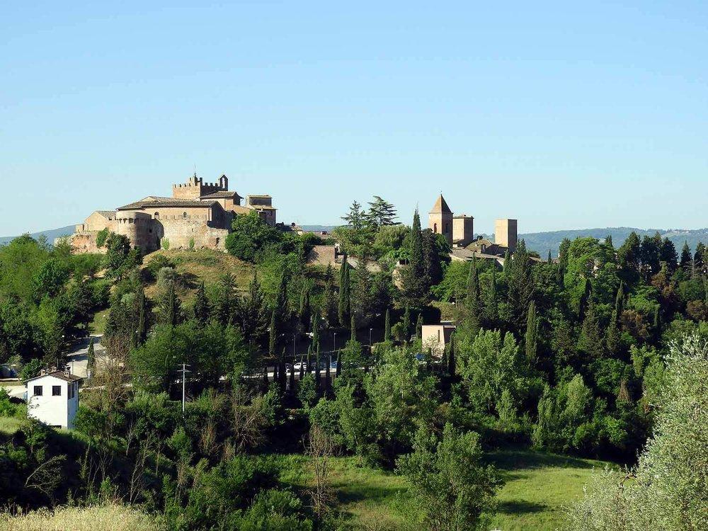 italy-italia-certaldo-old-tuscany-town-city-hill.JPG