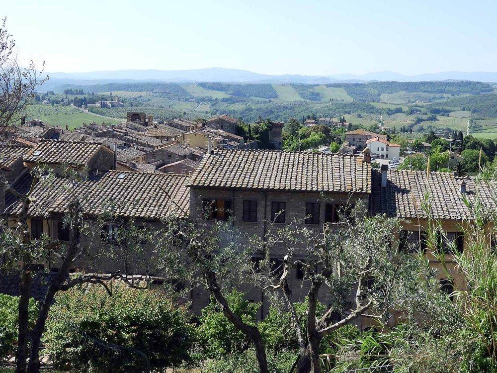 italy-italia-san-gimignano-tuscany-olive-trees-house-brick.JPG