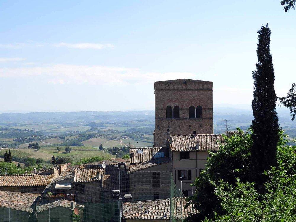 italy-italia-san-gimignano-tuscany-italian-cypress.JPG