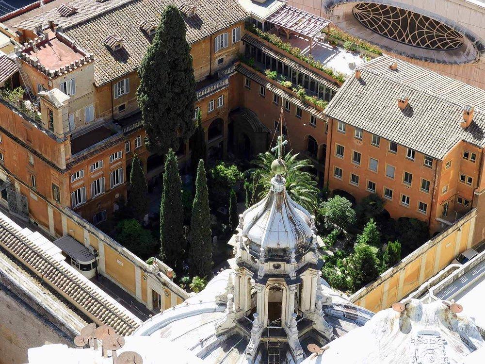 vatican-city-holy-see-italy-italia-rome-courtyard.jpg