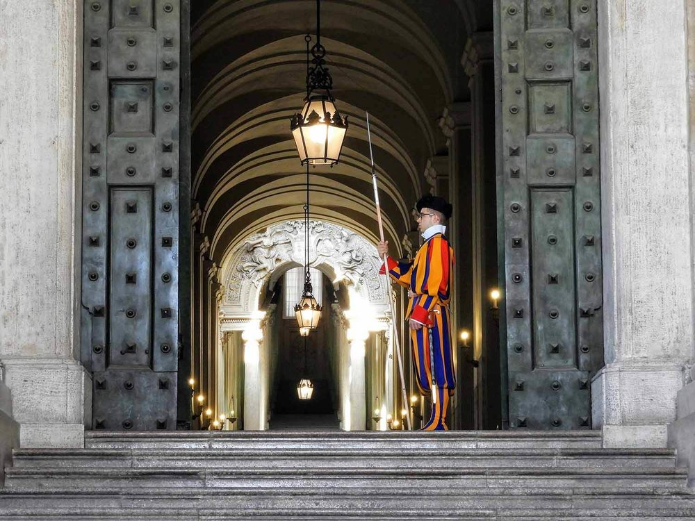 vatican-city-holy-see-italy-italia-rome-guard-door-swiss-soldiers.jpg