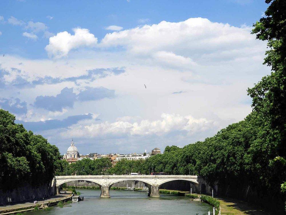 italy-italia-rome-tiber-river.jpg