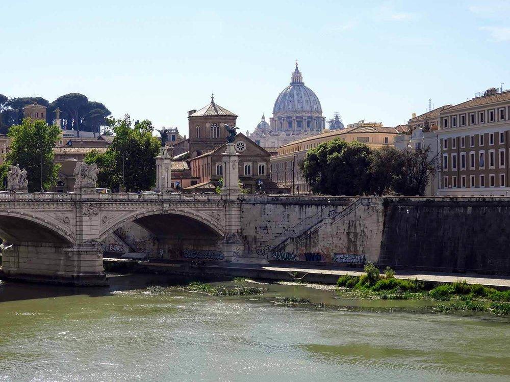 italy-italia-romes-st-angelo-bridge-ponte-sant-angelo-river-vatican.jpg