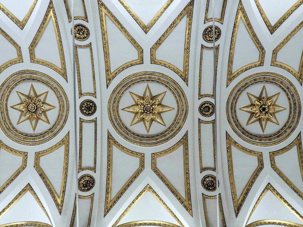 italy-italia-rome-ceiling-gold-white.jpg