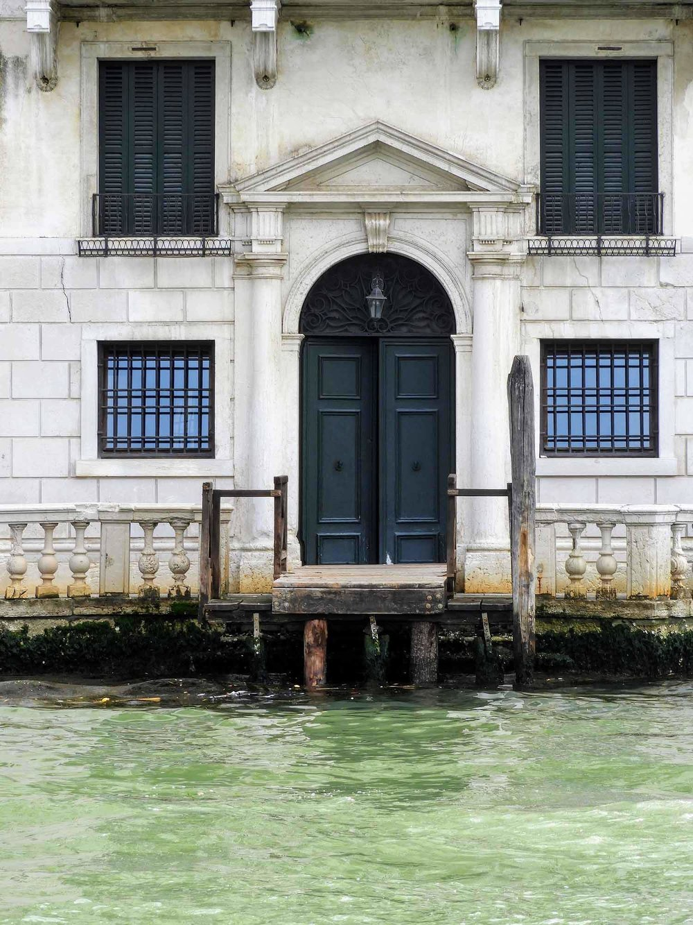 italy-italia-venice-water-door-entrance.jpg