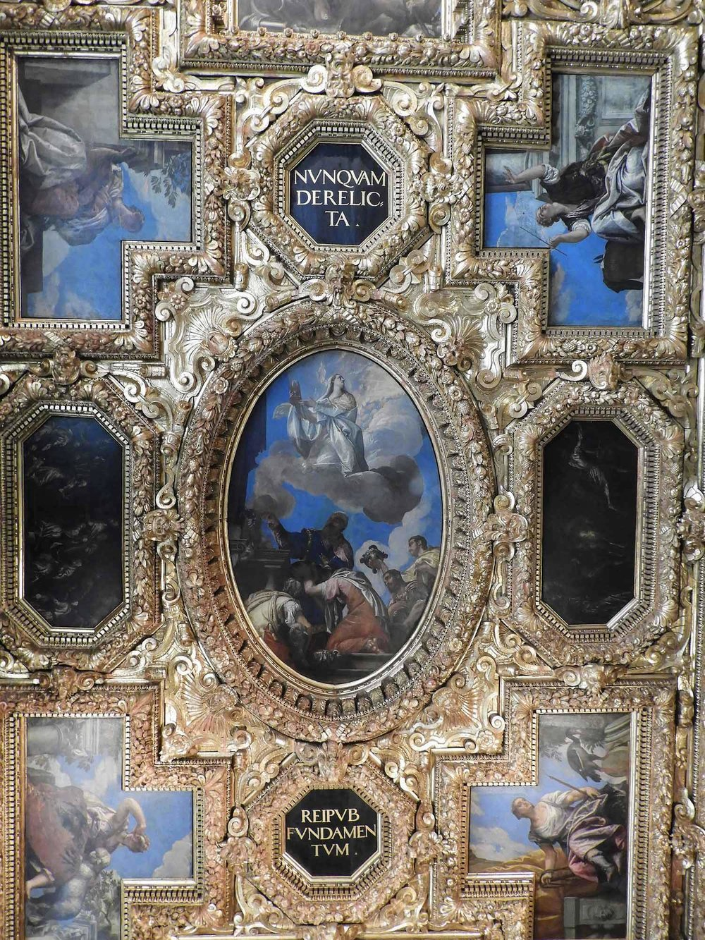 italy-italia-venice-palazzo-ducale-ceiling painting-gold.jpg