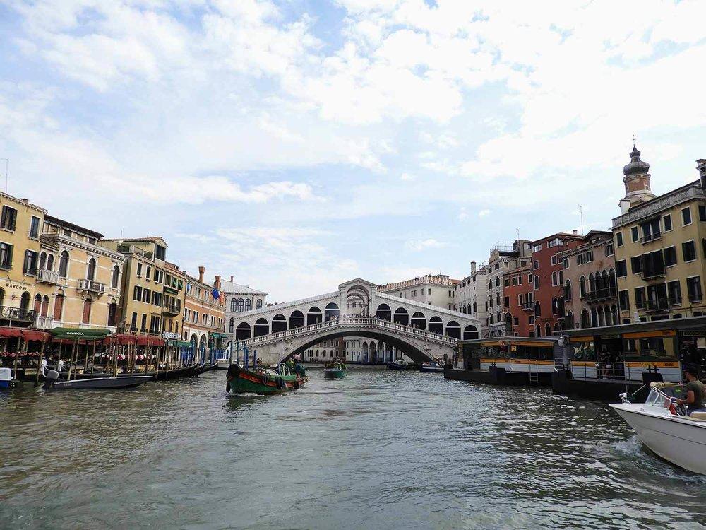 italy-italia-venice-rialto-bridge-ponte-di-rialto (2).jpg