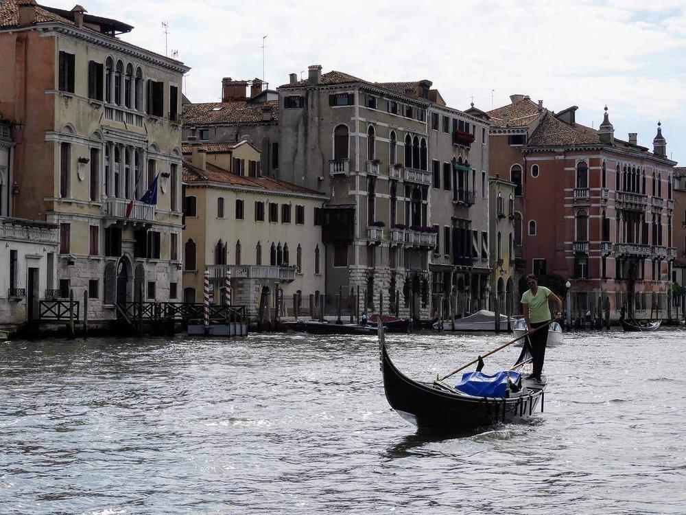 italy-italia-venice-grand-canal-gondola.jpg