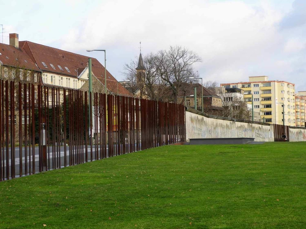 germany-berlin-wall-cold-war-soviet-union-west-vs-east-memorial-park.jpg