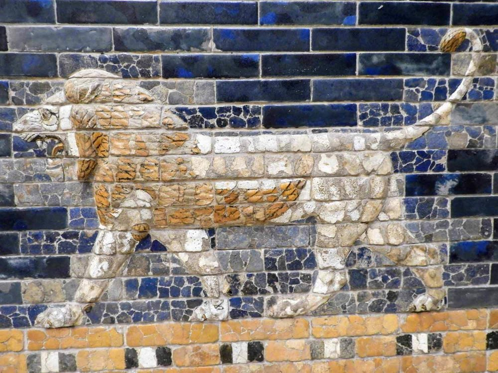 germany-berlin-pergamon-lion-blue-tiles.jpg