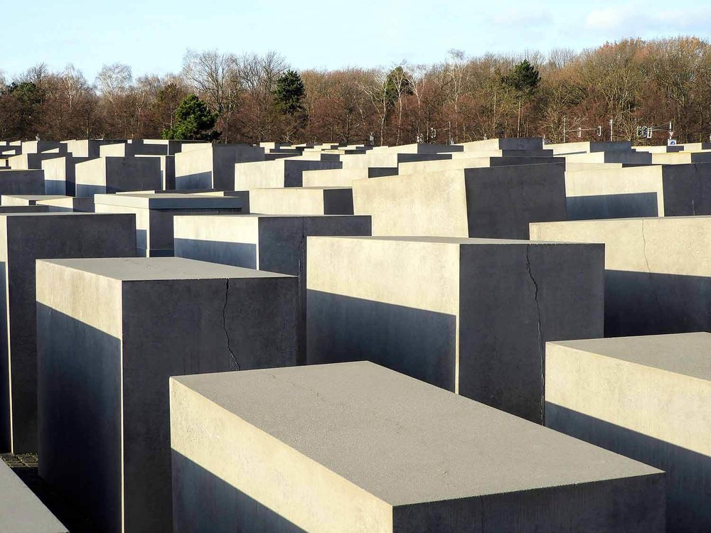 germany-berlin-monument -murded-jews-concrete-memorial.jpg