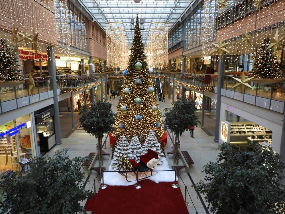 germany-berlin-christmas-time-decorations.jpg