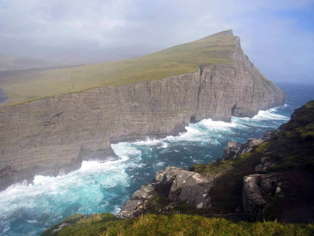 denmark-faroe-islands-vagar-laitisvatn-lake-bosdalafossur-waterfall-hike- (5).jpg