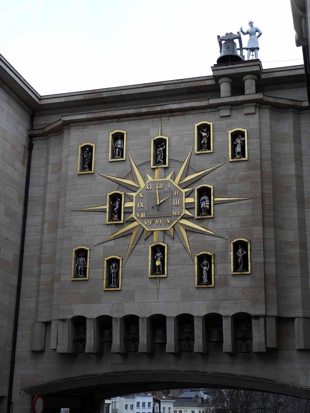 belgium-brussels-clock.JPG
