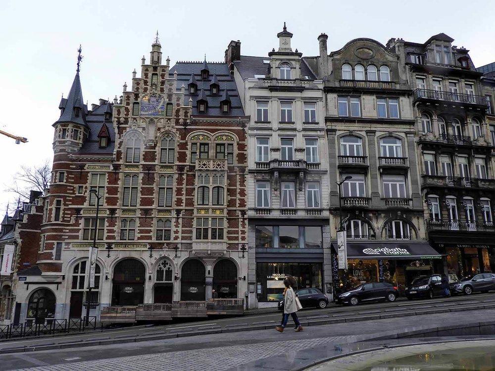 belgium-brussels-monte-arte-hill-row-houses-brick.jpg