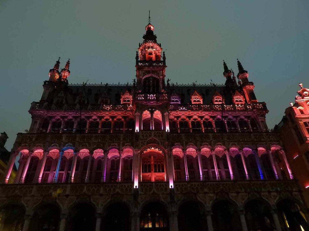 belgium-brussels-red-light-house.JPG